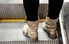 roltrap - boots-girl-escalator-subway-leeroy (1).jpg
