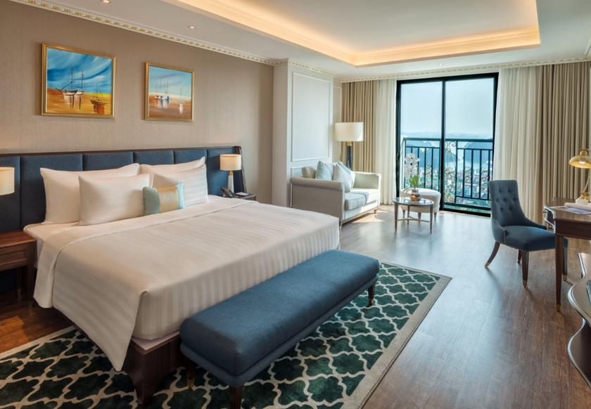 Deluxe Bay View khách sạn FLC Hạ Long
