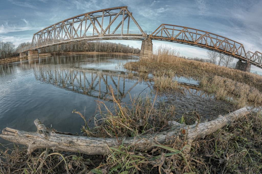 Most w Stanach na linii kolejowej nr 371 Wolsztyn - Żagań