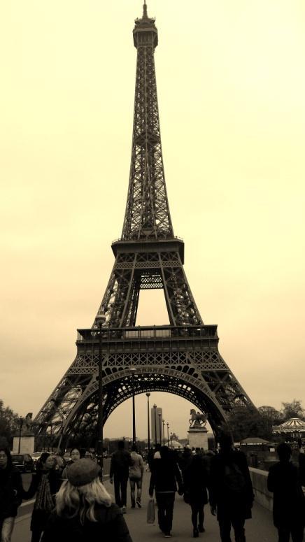 C:\Users\Sara\Desktop\FOTO ATTIVITA', SCUOLA E GITE 2012-2013\29- Parigi\Parigi (247).jpg