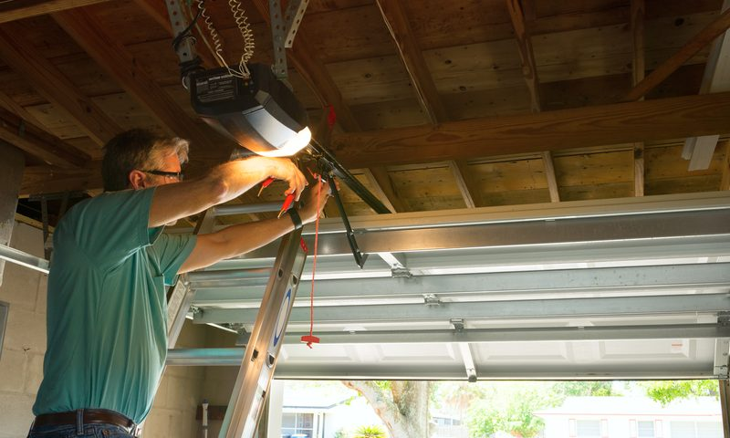 Finding the Right Company for Your Garage Door Repair