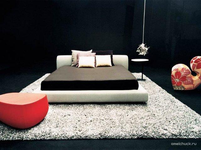 Подиум-кровать в виде монолита