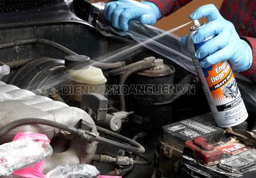 Dung dịch vệ sinh khoang máy ô tô