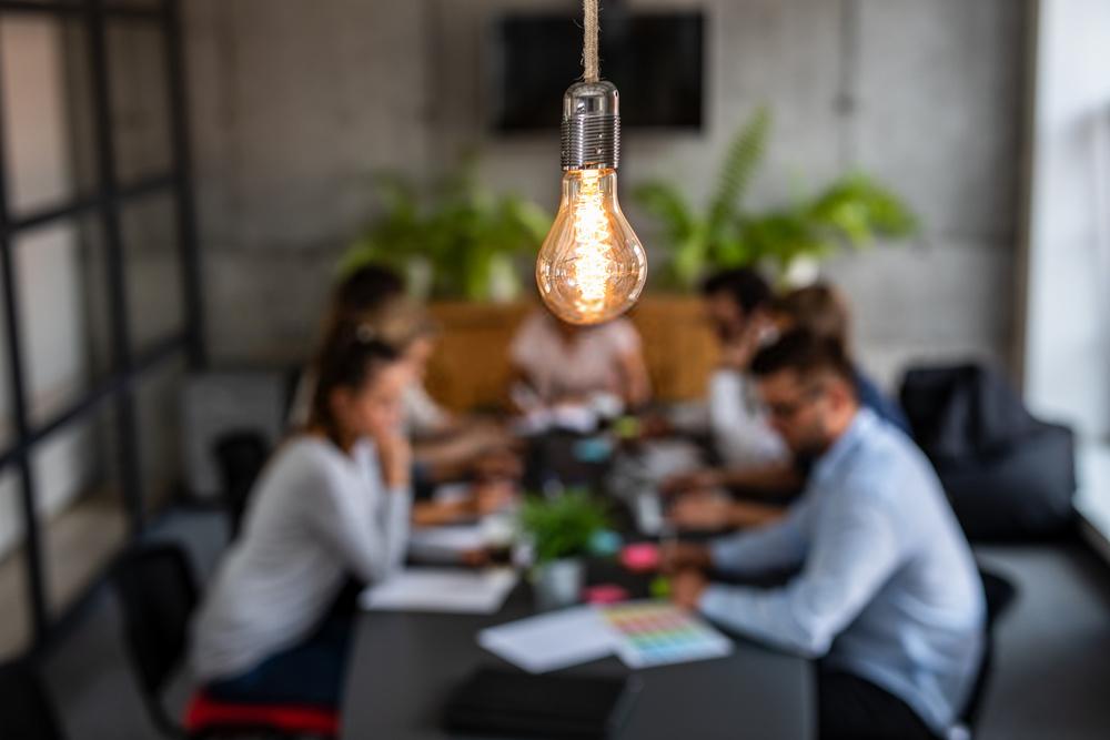 Lakukan 6 Strategi Bisnis Ini Untuk Bersaing di Era New Normal - 2021