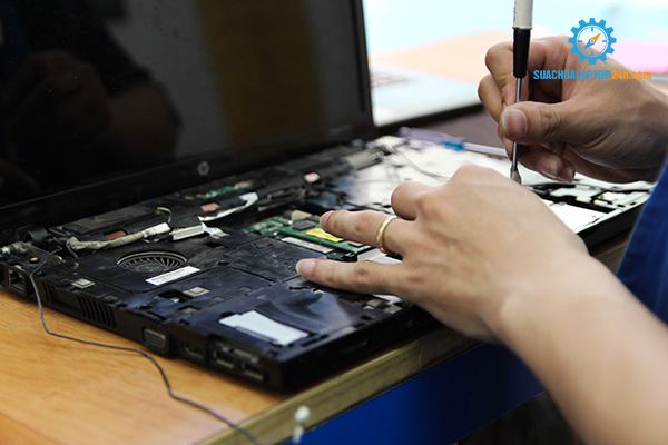 chuột cảm ứng laptop không click được như thế nào