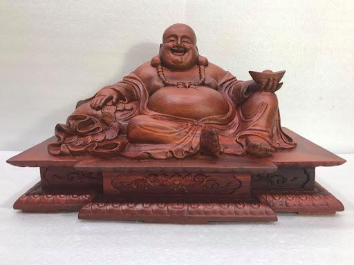Tượng Phật cười phúc hậu bằng gỗ tự nhiên