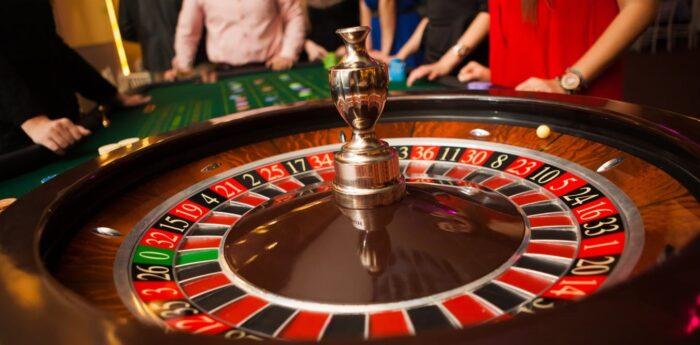 Người chơi cần có chiến lược chơi Roulette khôn khéo mới thắng được nhà cái