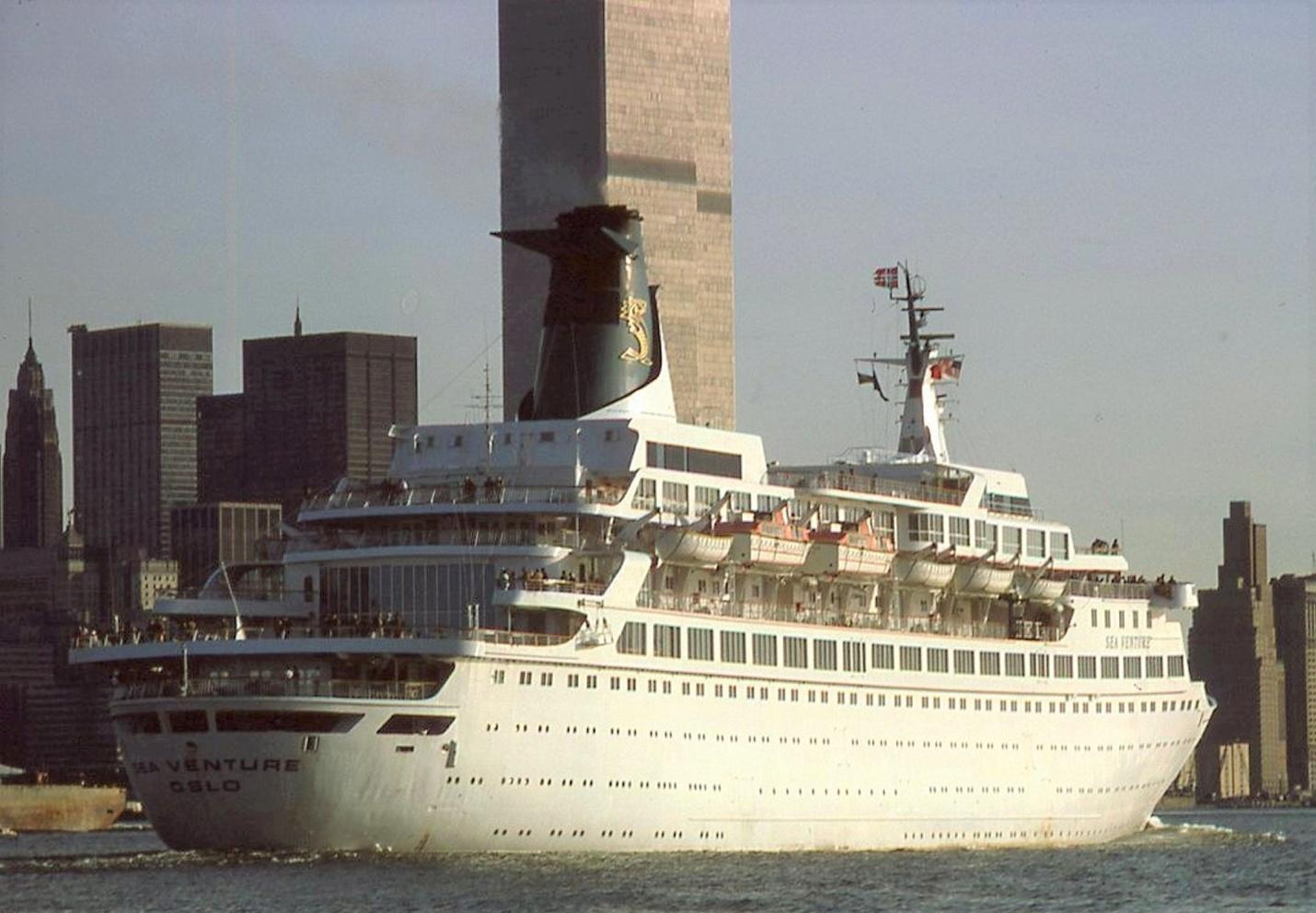 D:\Bill\Pictures\New York Liners\210.jpg