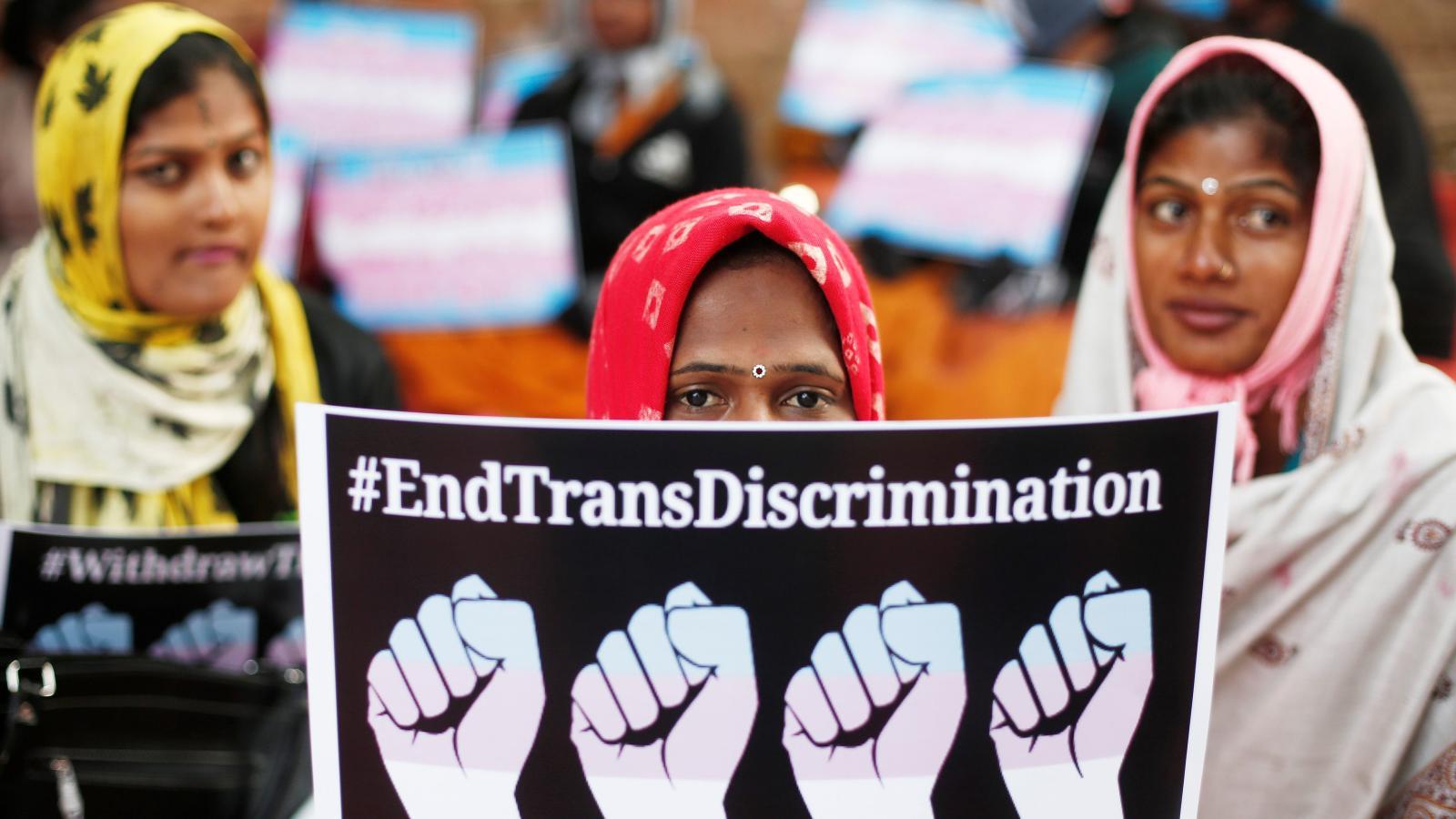 India's transgender rights bill disappoints the LGBTQ community — Quartz  India