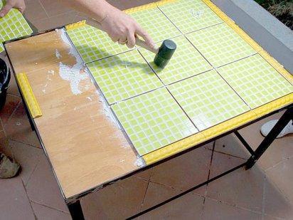 Rubi tx 7 tapes pour faire une table avec des carreaux for Baldosas para el jardin
