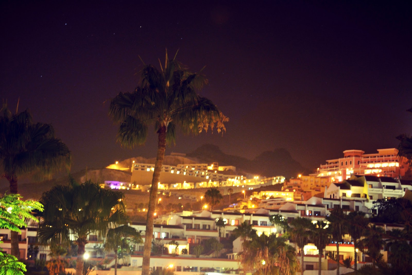 san eugenio by night.jpg