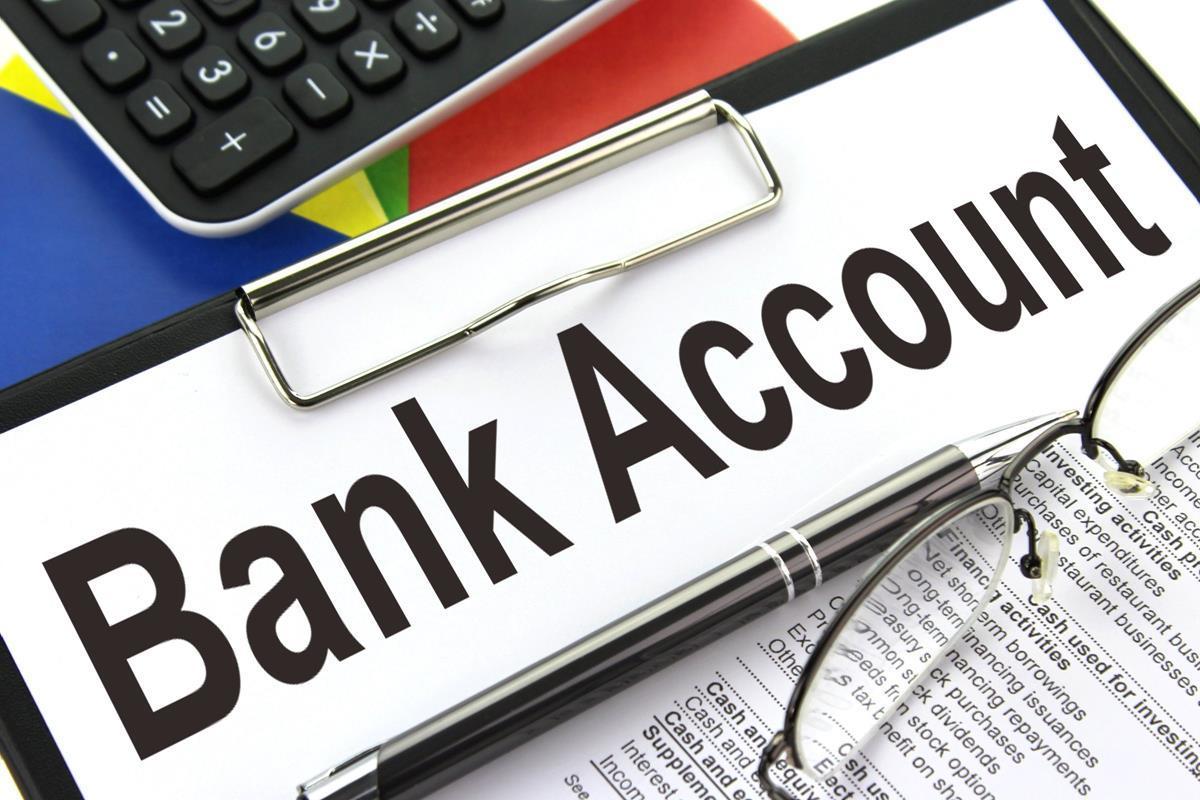Du học sinh đến chi nhánh của Vietinbank để mở tài khoản
