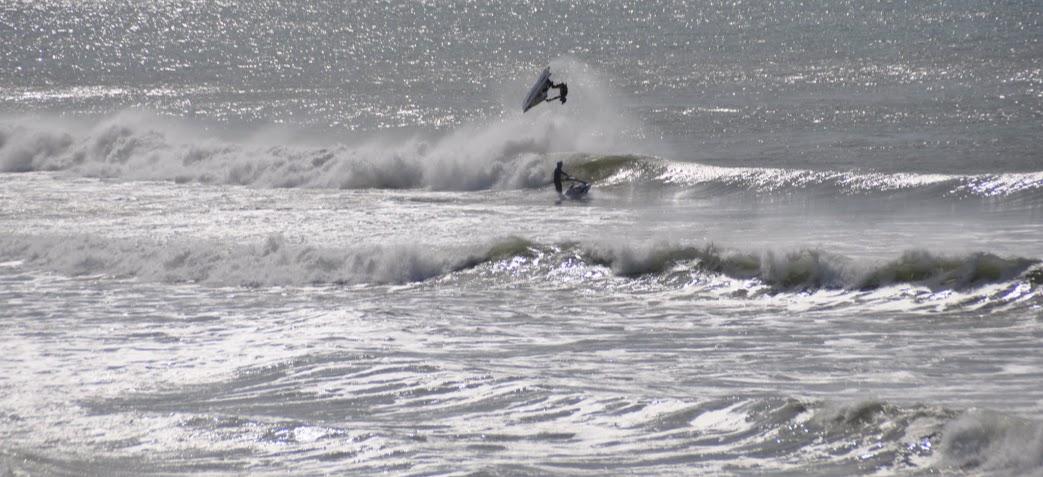 plage-soulac-surfer