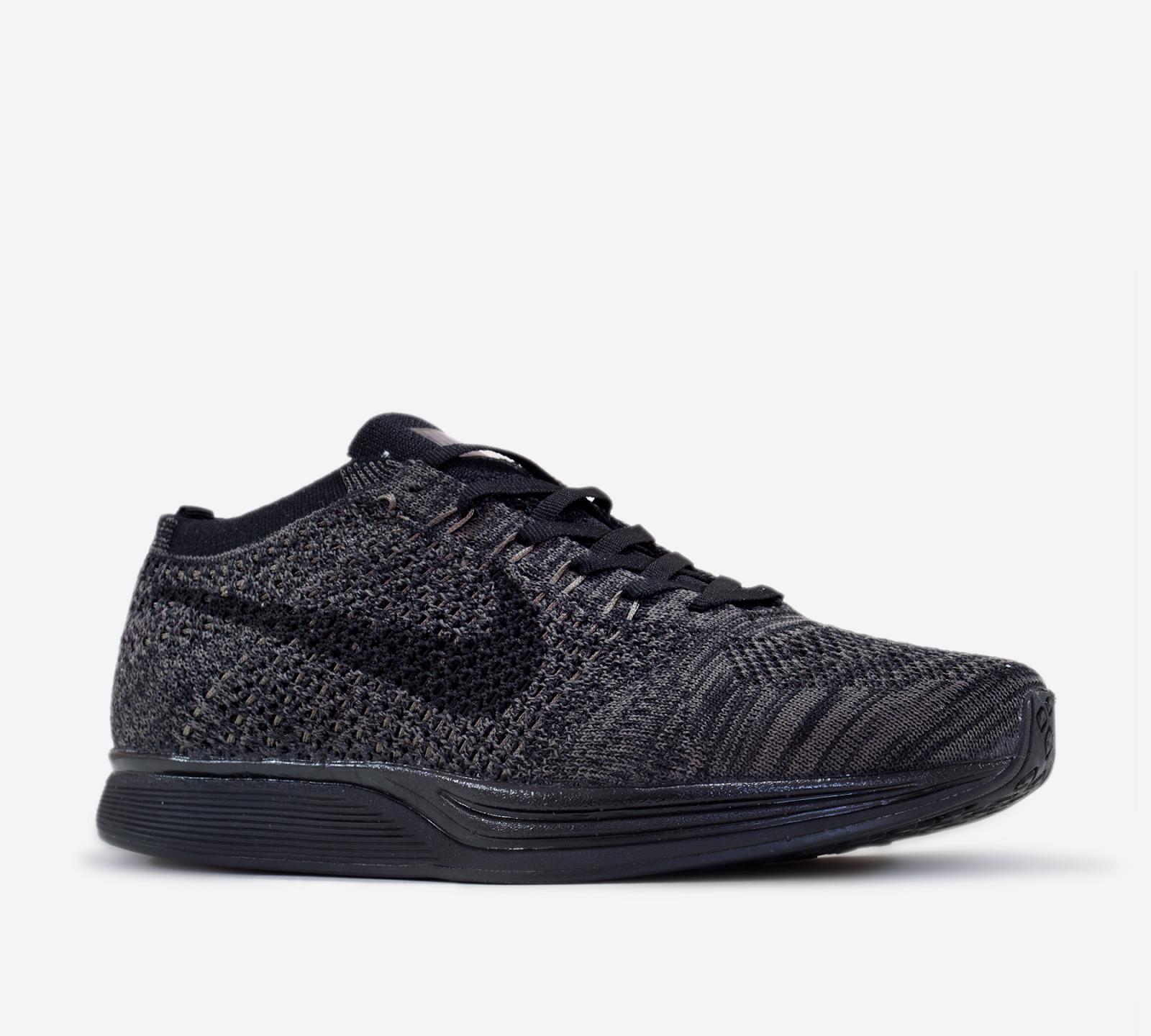Nike flyknit racer phối màu black