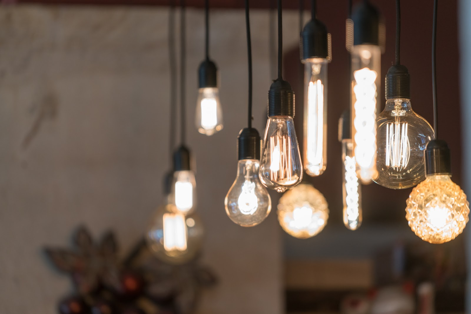 exposed vintage inspired lightbulbs