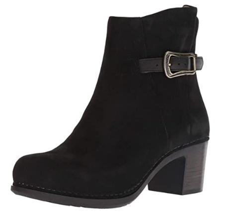 Dansko Womens Hartley Chelsea Boots for Women