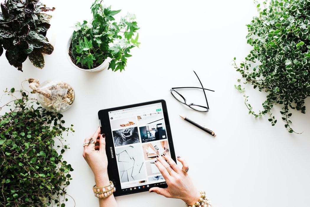 Berjualan secara online bisa menjadi salah satu alternatif pekerjaan menguntungkan