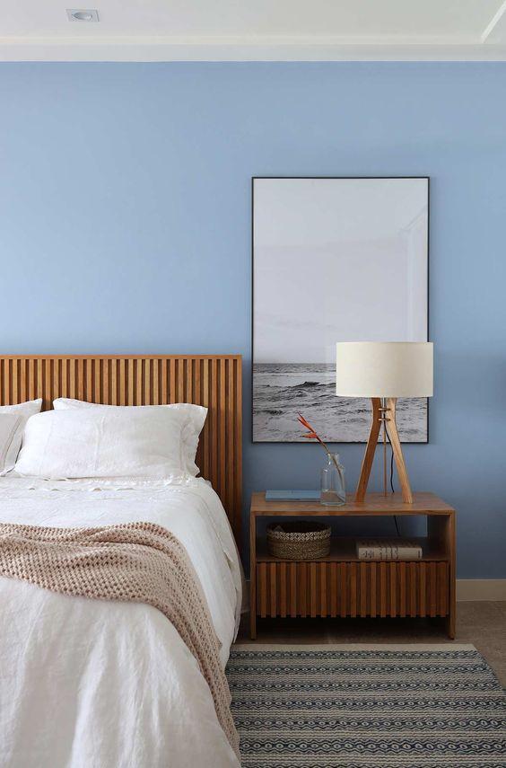 Uma imagem contendo no interior, cama, quarto, hotel  Descrição gerada automaticamente