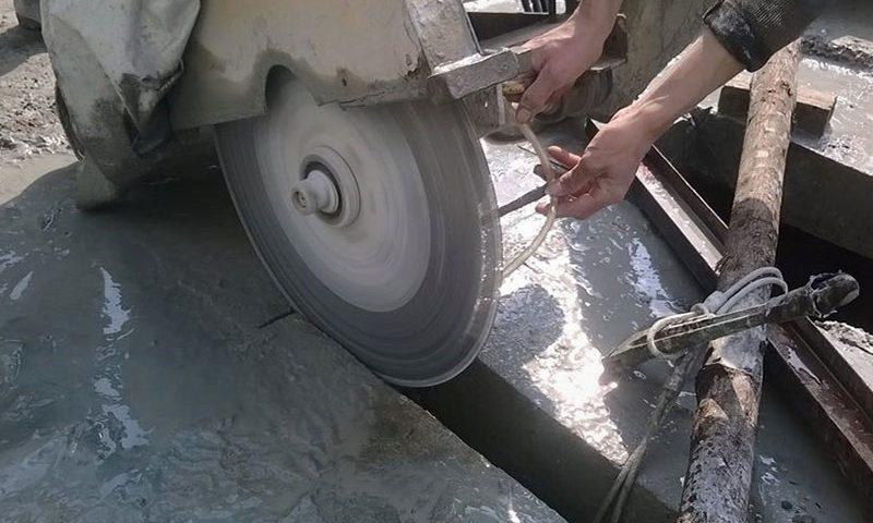 Khoan cắt bê tông sử dụng rất nhiều máy móc hiện đại