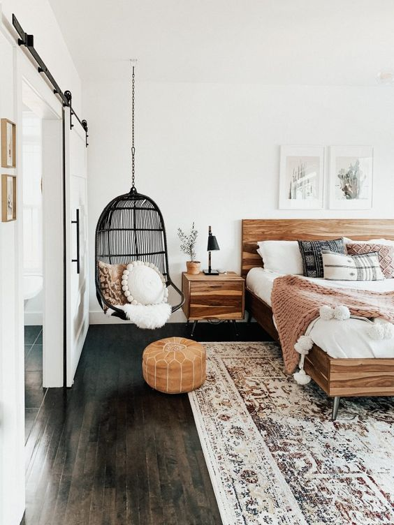 Master Bedroom Ideas with Some Interesting Accessories