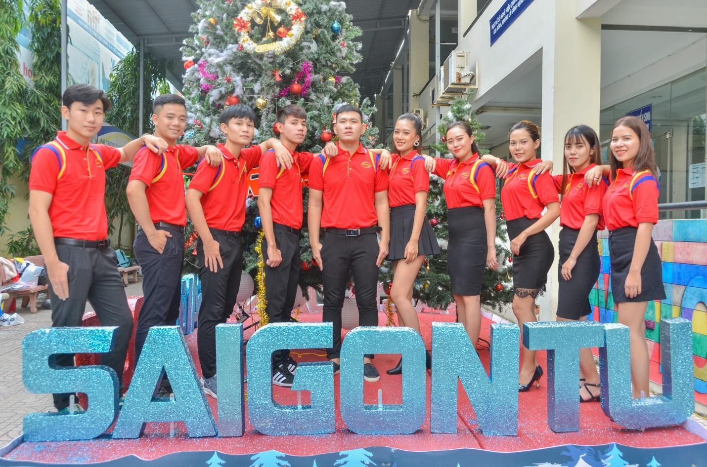 Sinh viên SaigonACT sôi nổi trong các phong trào