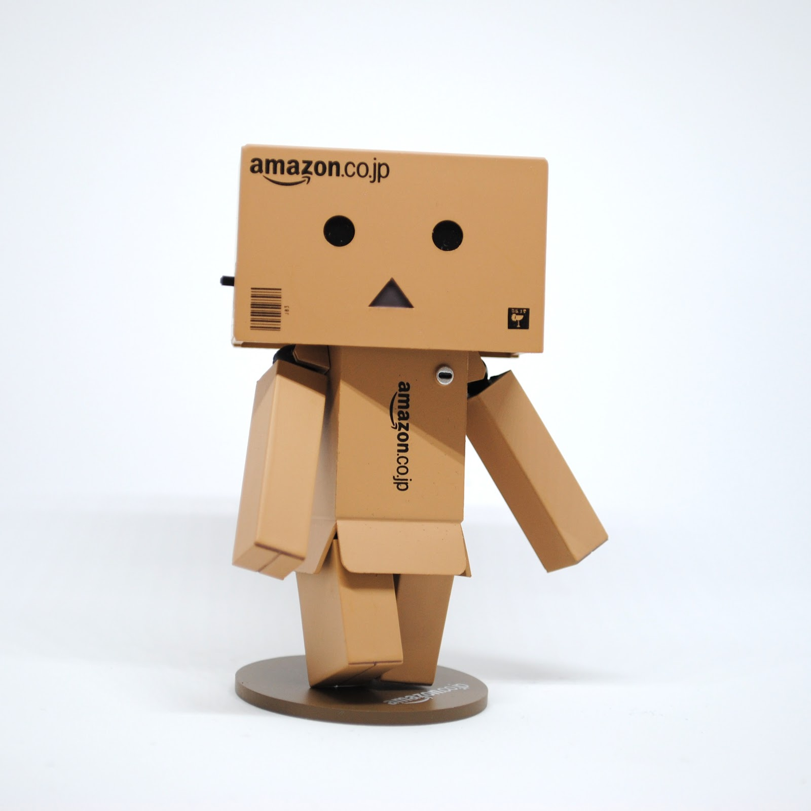 Amazon logo on a box robot.