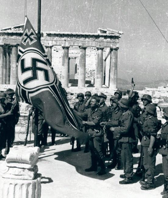 http://3.bp.blogspot.com/-zAQav2uFQ3E/VT3Bc30wtoI/AAAAAAAACdM/mEeQXpQXrnA/s1600/Bundesarchiv_Bild_101I-164-0389-23A%2C_Athen%2C_Hissen_der_Hakenkreuzflagge.jpg