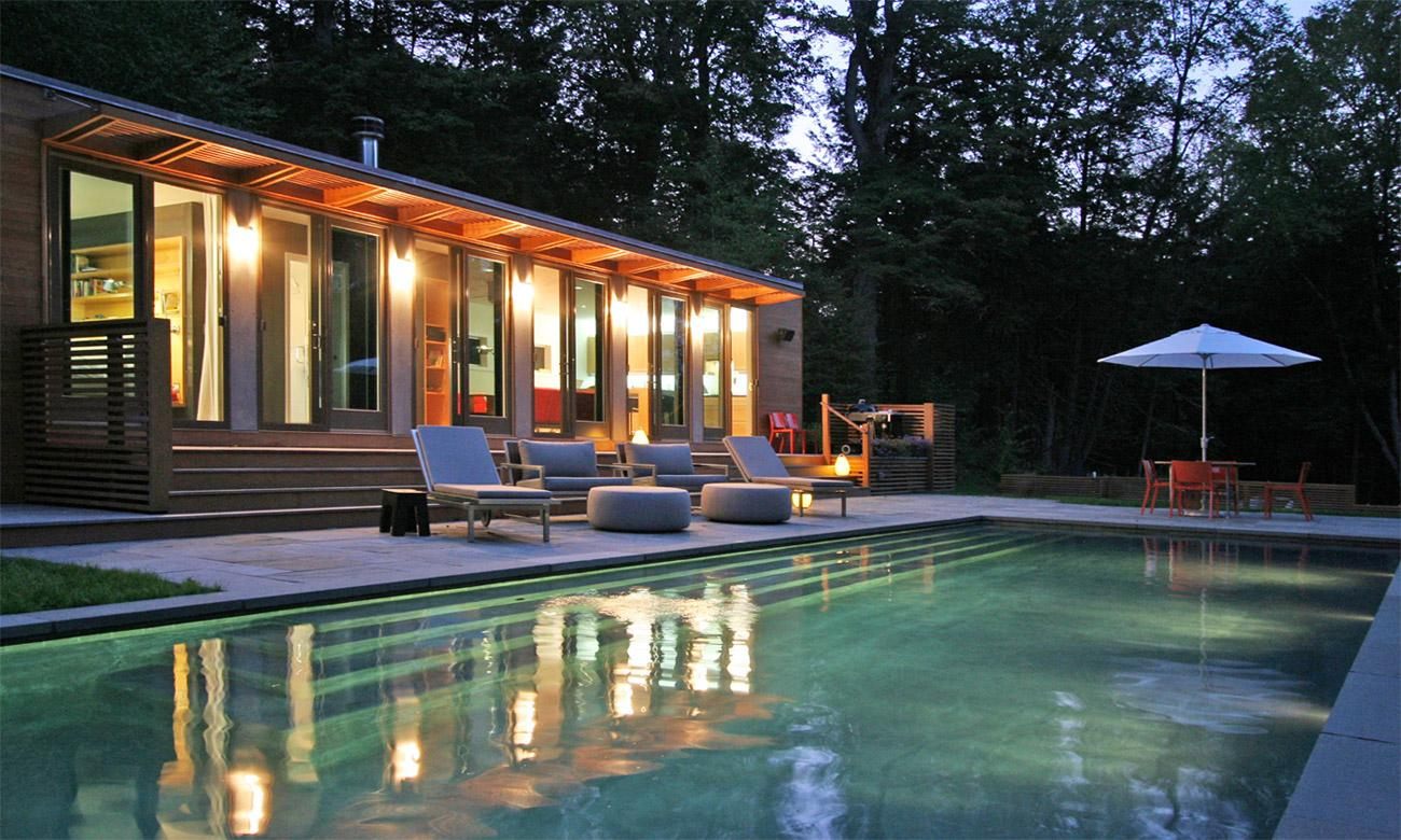 http://o.homedsgn.com/wp-content/uploads/2011/10/Connecticut-Pool-House-04.jpg