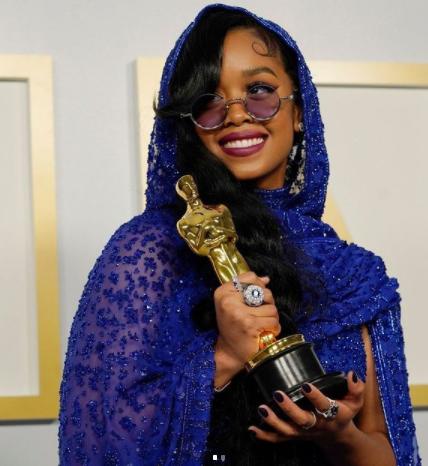Fil-Am musician H.E.R. just bagged an Oscar