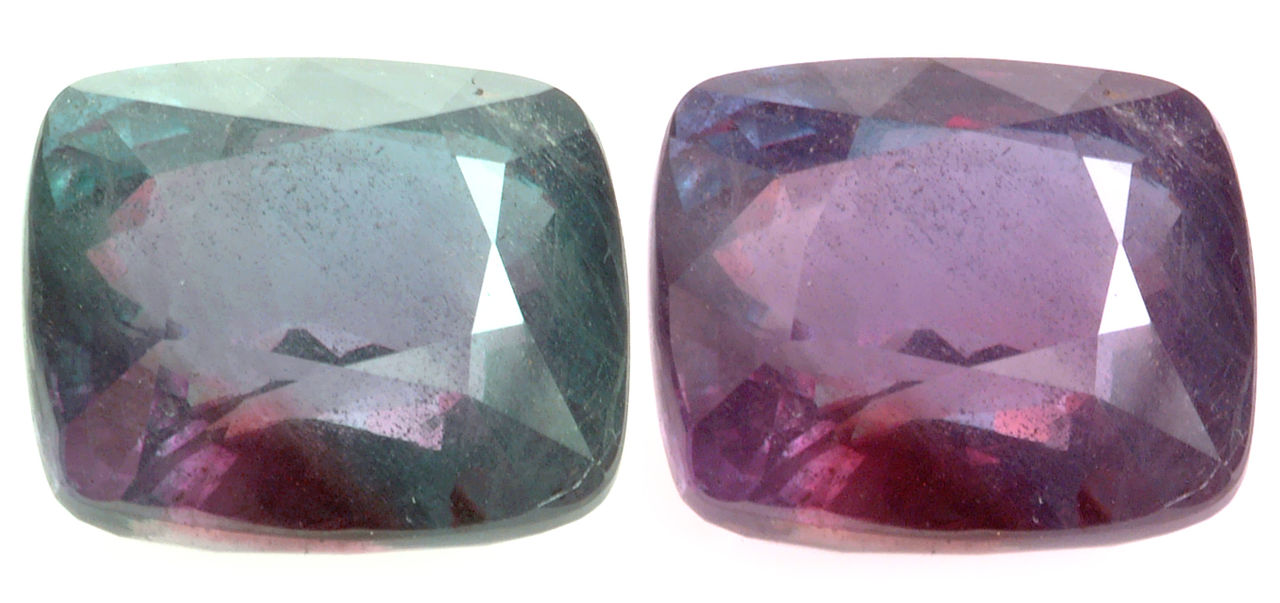 """Certified Strong Change Alexandrite 26.75cts"" by David Weinberg / CC BY-SA 3.0"