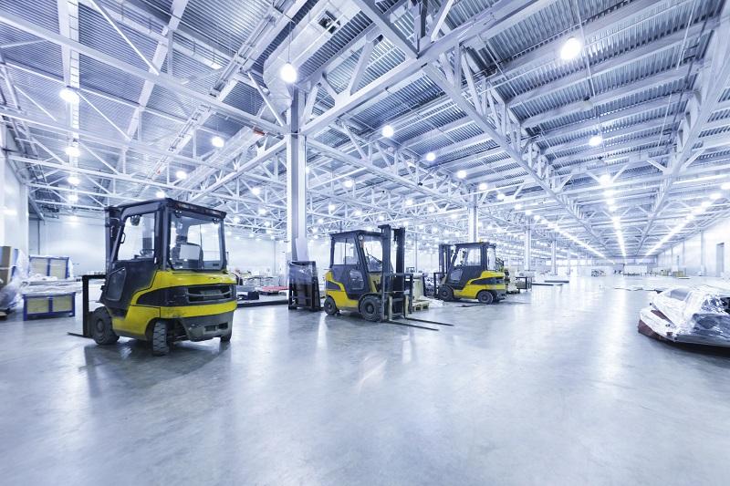 Vệ sinh nhà xưởng máy móc sạch sẽ sáng bóng sẽ mang lại hình ảnh đẹp cho công ty, nhà xưởng
