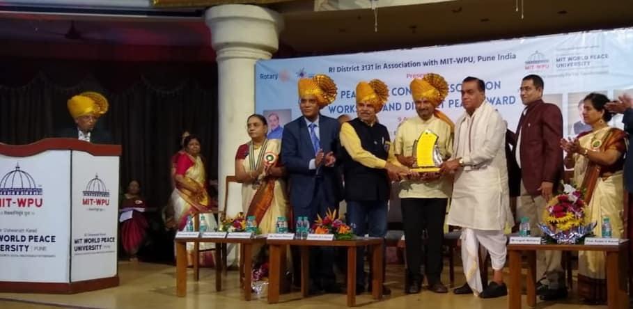 Yogesh Mathuria_Award.jpg