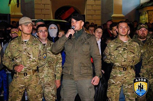 Білецький під час маршу героїв УПА 14 жовтня