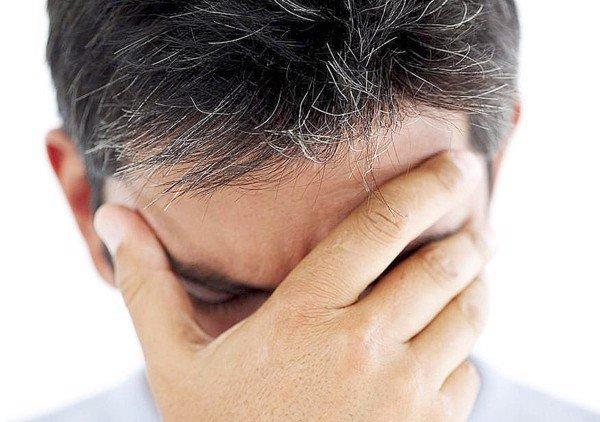 Tóc bạc sớm có chữa được không? Nguyên nhân và cách điều trị hiệu quả được chuyên gia khuyên dùng - Ảnh 3