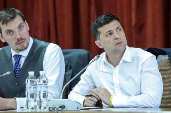 «Мені здається, час показав, ми бачимо, що деякі міністерства повинні бути розділені», – висловив своє бачення Володимир Зеленський