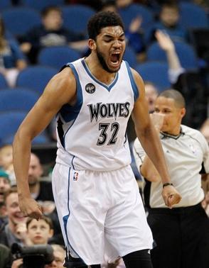 Karl Towns anota 16 en la derrota de los Wolves