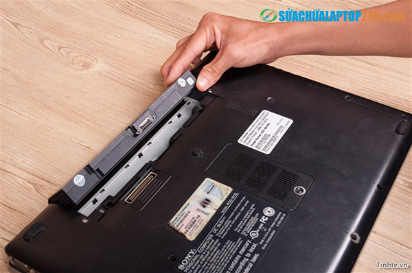 sua-chua-pin-laptop 1