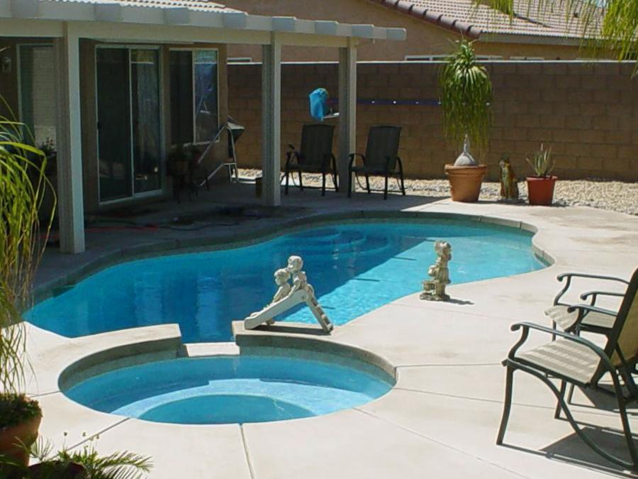 http://editionchicago.com/wp-content/uploads/2015/03/backyard-pool-designs-small-backyard.jpg