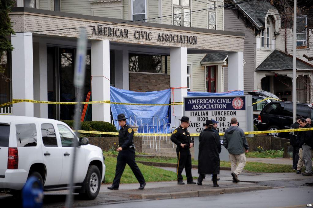 В апреле 2009 года в Бингемтонском иммиграционном центре 41-летний мигрант китайского происхождения забаррикадировал здание центра и расстрелял 13 человек, 4 человека получили ранения. Позже стрелок совершил самоубийство