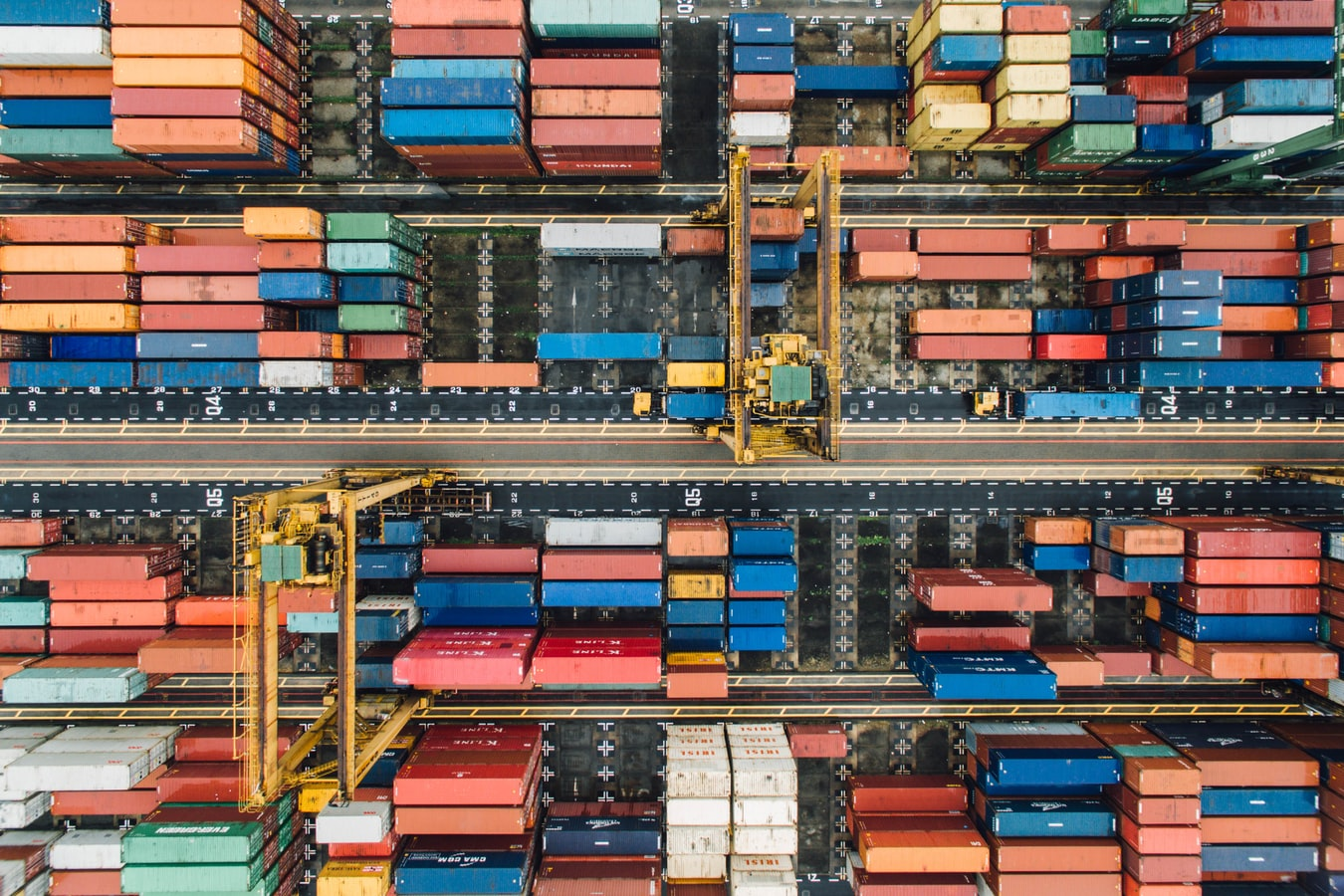 Dịch vụ chuyển phát nhanh từ nước ngoài về Việt Nam của Xanh Logistics