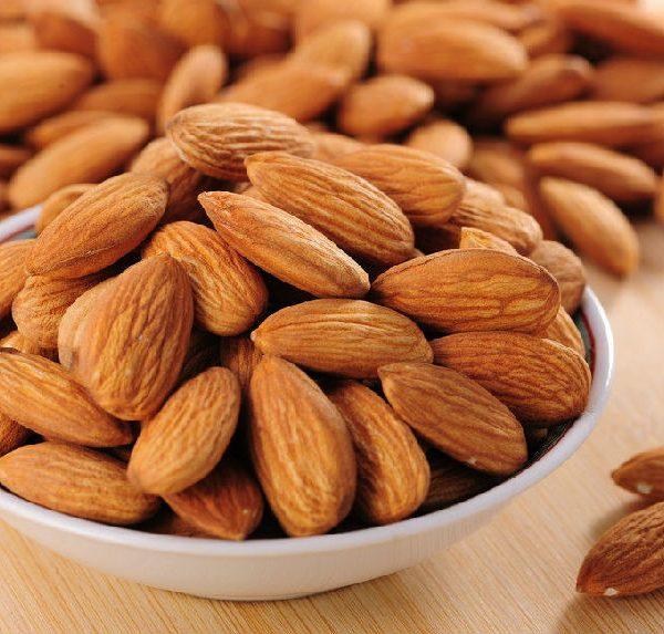 Hạt hạnh nhân chứa nhiều chất dinh dưỡng cho cơ thể