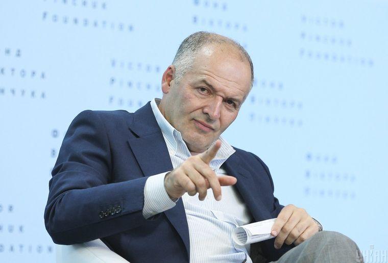 Украинский бизнесмен, меценат Виктор Пинчук во время мероприятия в рамках 11-го Ежегодного молодежного форума образовательных программ «Завтра.UA» и «Всемирные студии», Киев, 22 июня 2018 года