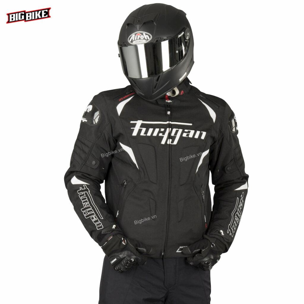 Mức giá nào để mua được quần áo bảo hộ moto chất lượng?