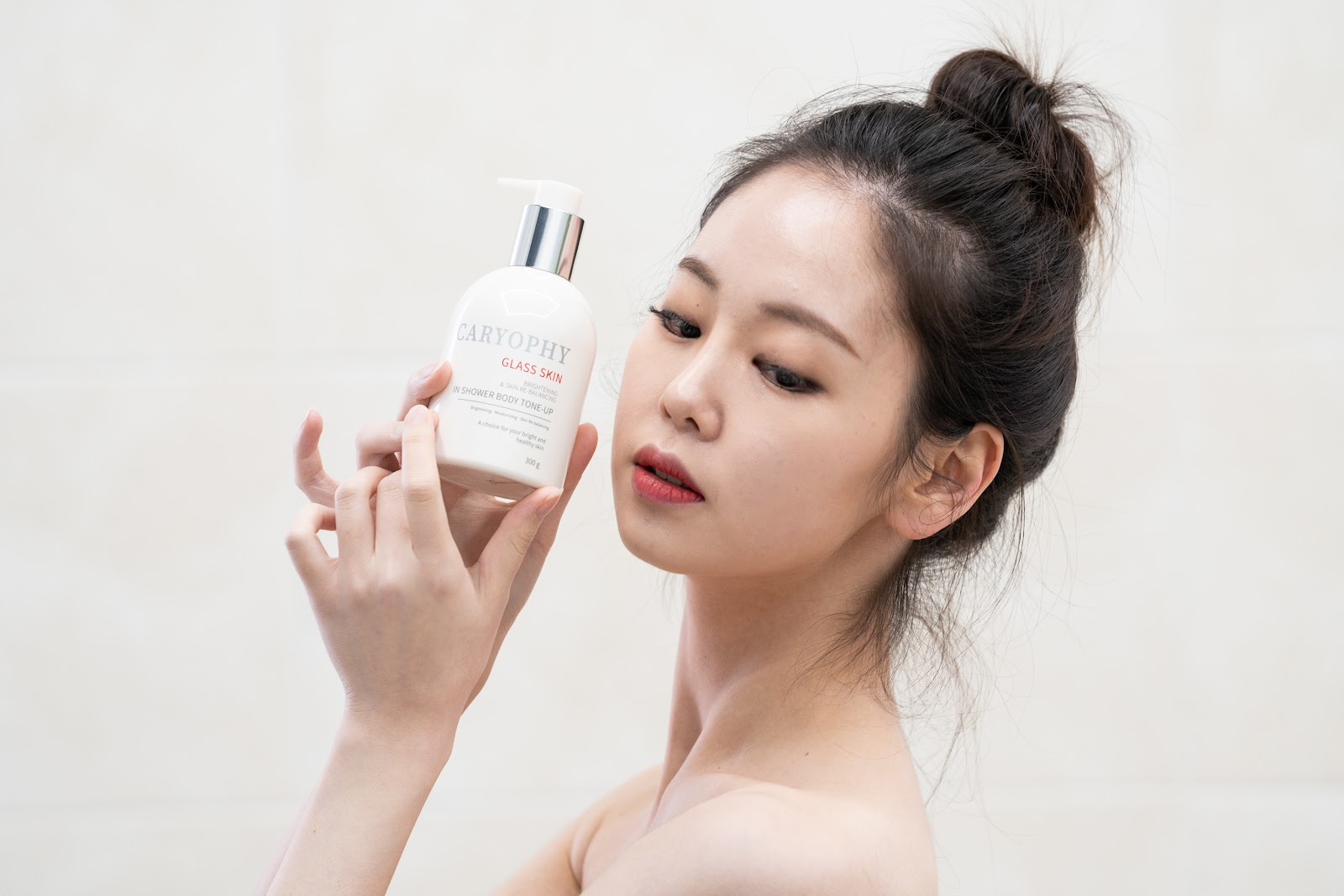Caryophy 3 in 1 Glass skin in Shower Body Tone up.