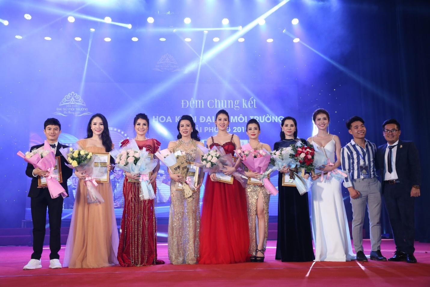 Hoa hậu doanh nhân Đàm Hương Thủy nổi bật khi ngồi ghế giám khảo Hoa khôi Đại sứ môi trường Hải Phòng năm 2019  - Ảnh 3