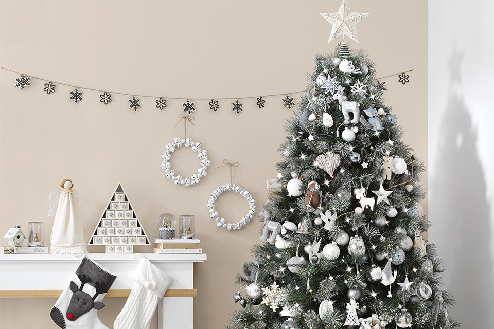 grey christmas tree final How to Decorate your Christmas Tree