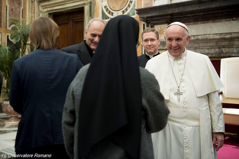 """Đức Thánh Cha: Nâng cao nhận thức về """"tai họa"""" của nạn buôn người"""