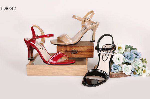 Giày cao gót – Siêu phẩm được nhiều chị em lựa chọn
