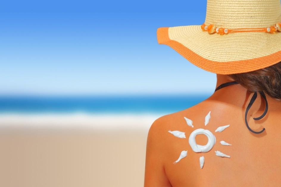 C:\Users\Administrator\Desktop\Càng chống nắng, nắng càng tấn công là vì đâu (1).jpg