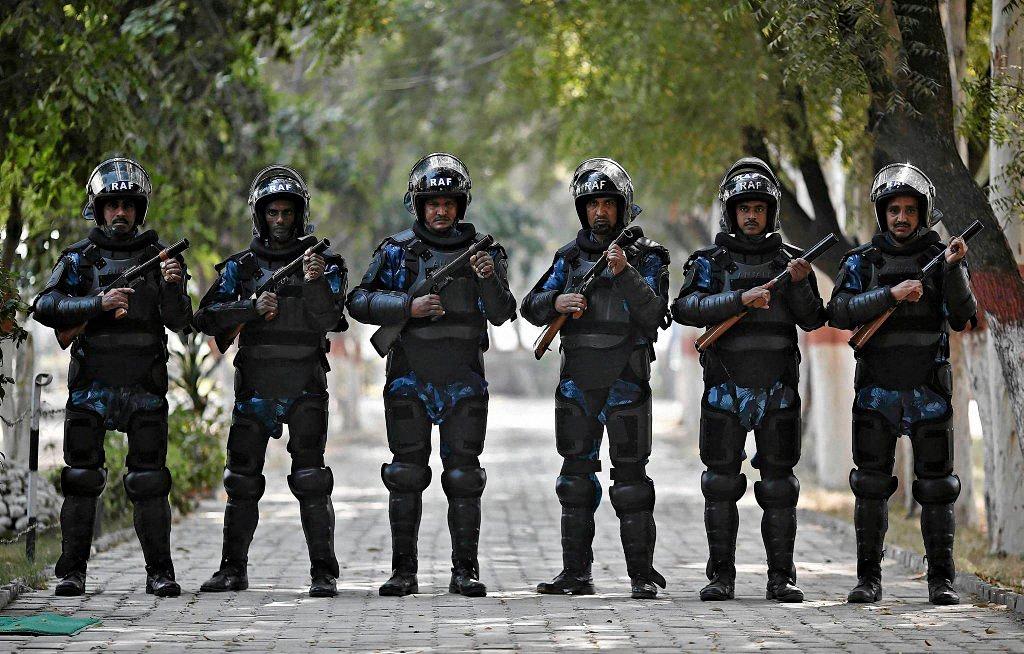 Применение оружия полицией-8